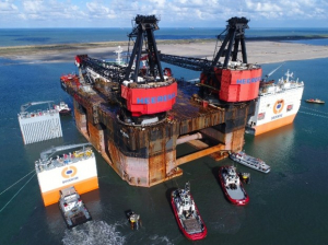 Crane vessel Hermod recycled in China